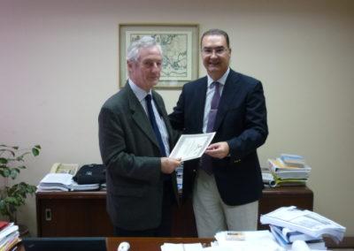 premio iternacional victimologia elias carranza